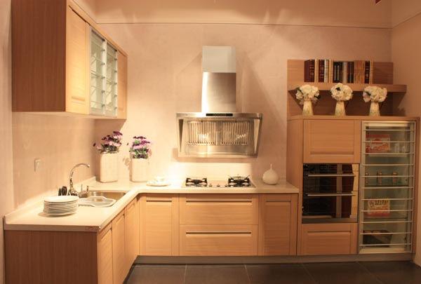 白橡欧式装饰柜……欧派衣柜追求个性化设计理念