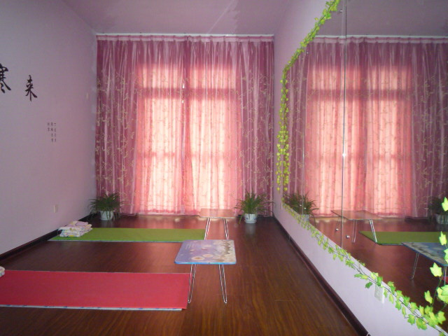 高温瑜珈体式 高温瑜珈26个体式 高温瑜伽26体式图图片