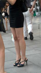 街拍包臀小短裙美女大臀美女街拍大臀美女街拍大臀图