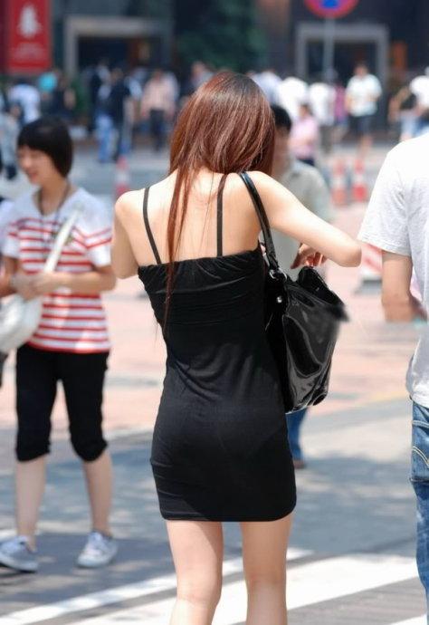 街拍超短裙美女抄底图片