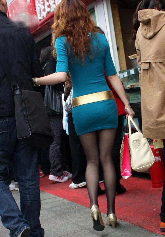 齐b小短裙街拍透明包臀裙美女街拍包臀小短裙美女齐b 竖