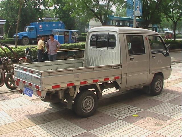 余传林五菱双排座小货车出租高清图片