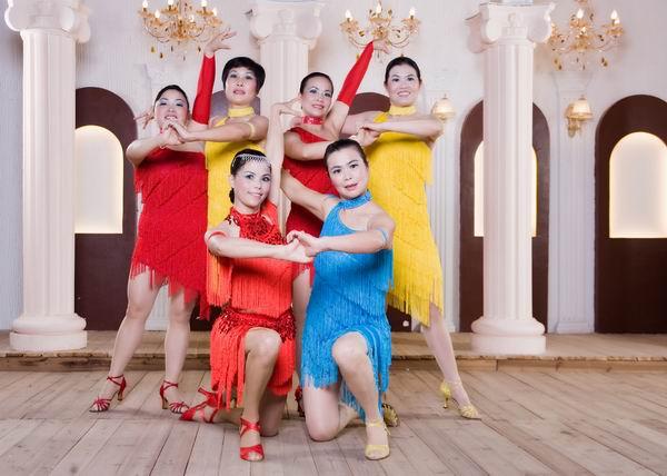 青春岛拉丁舞培训