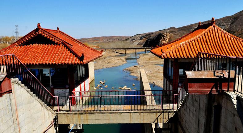 本地通首页 旅游景点 > 朝阳燕山湖风景区     燕山湖风景区位于辽宁