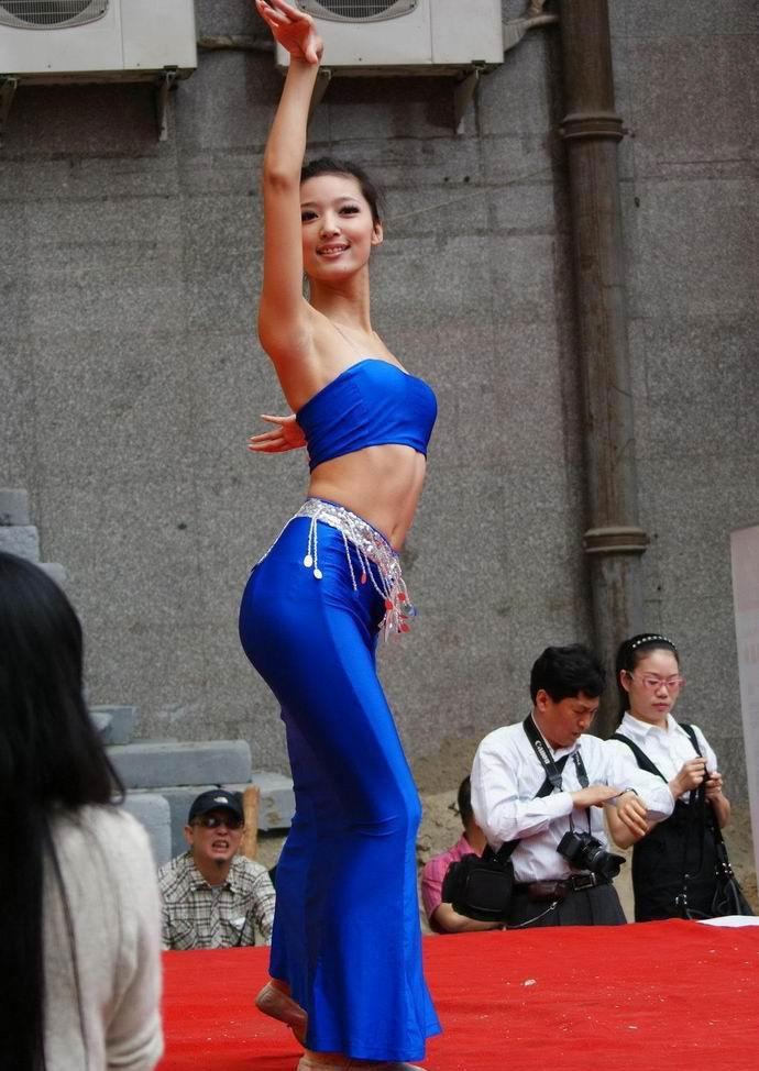 学美女舞蹈老师