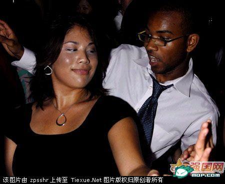 当中国女人沦落到崇拜非洲黑人