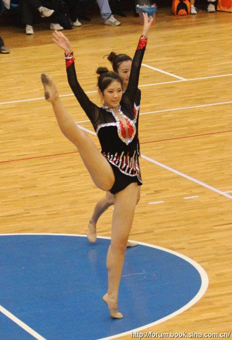 性感美女大学生健美操表演