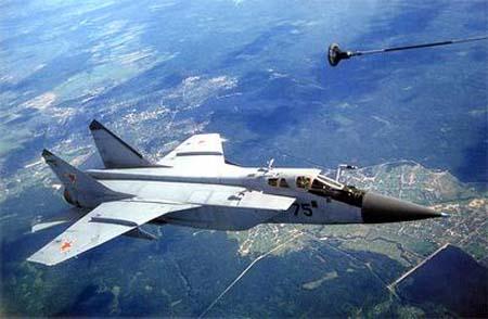 空军一架米格-31战斗机11月19日坠毁,俄国防部下令停飞所有该型飞机.