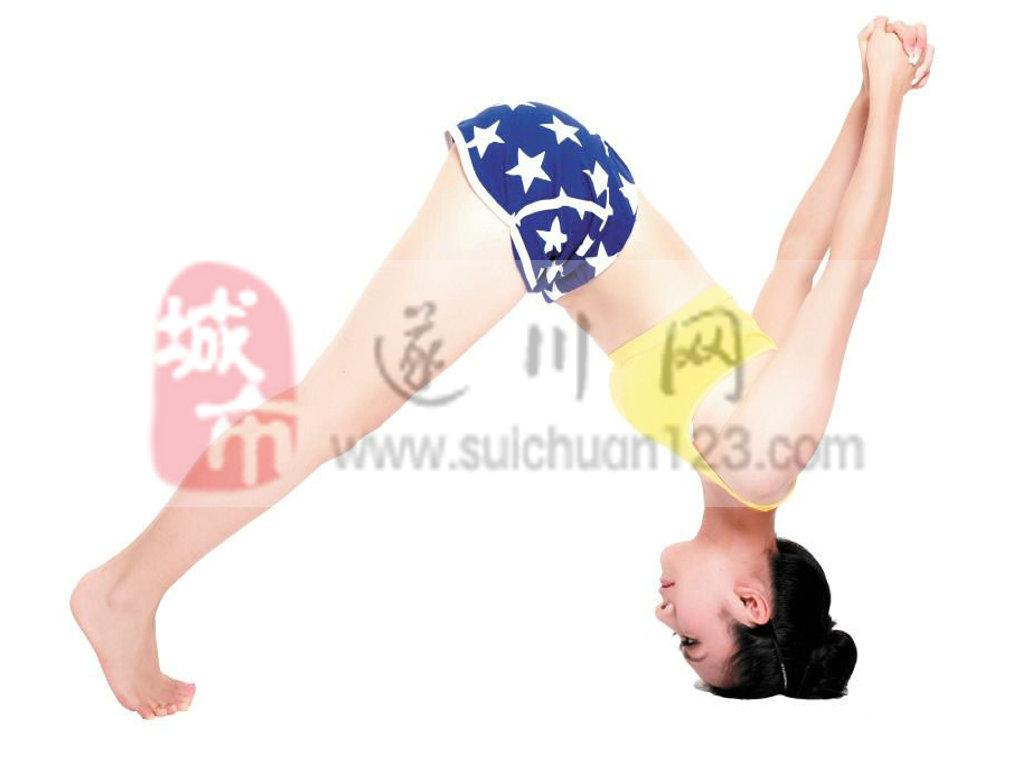 养眼:美女老师教你练瑜伽