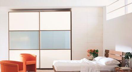 白色地板搭配欧式风格卧室门