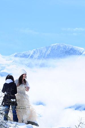 雪景婚纱照好看吗_雪景婚纱照