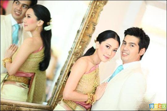 有泰国第一美女之称的当红女演员noon和相恋