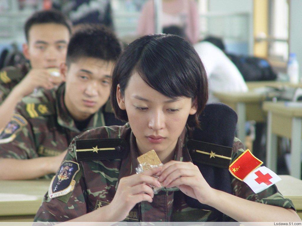 解放军特种兵狼牙大队的女兵们 动感图吧 武 高清图片