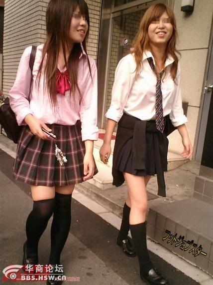 日本女生校服裙 为何设计这么短