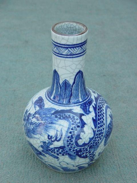 青花瓷瓶子花纹j简单