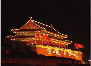 天安门城楼有60多根柱子,最粗的直径1.