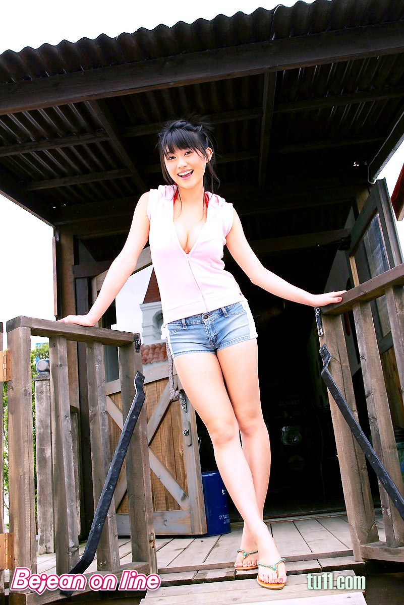 緊身褲性感美女論壇圖片_龍山論壇