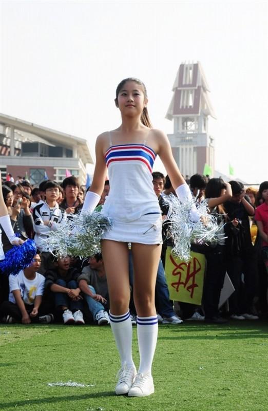 集大清纯女生热舞 菁菁校园 集美论坛
