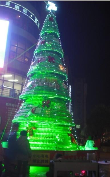 重庆百事天府饮料有限公司设计制作的7喜圣诞树