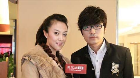 玖月奇迹组合王小玮(左)王小海(右)