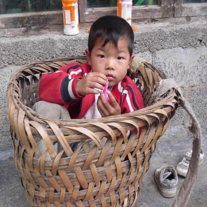 农村儿童的生活实照_利川城事