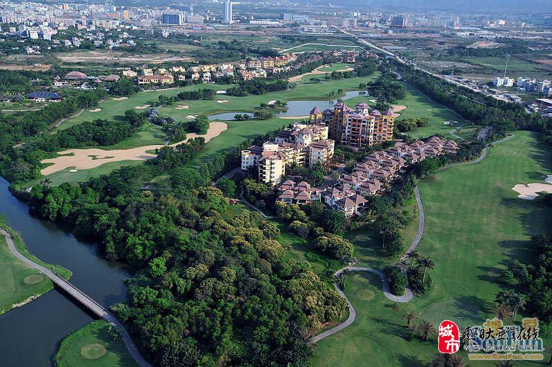 棕榈岛高尔夫球场和别墅区