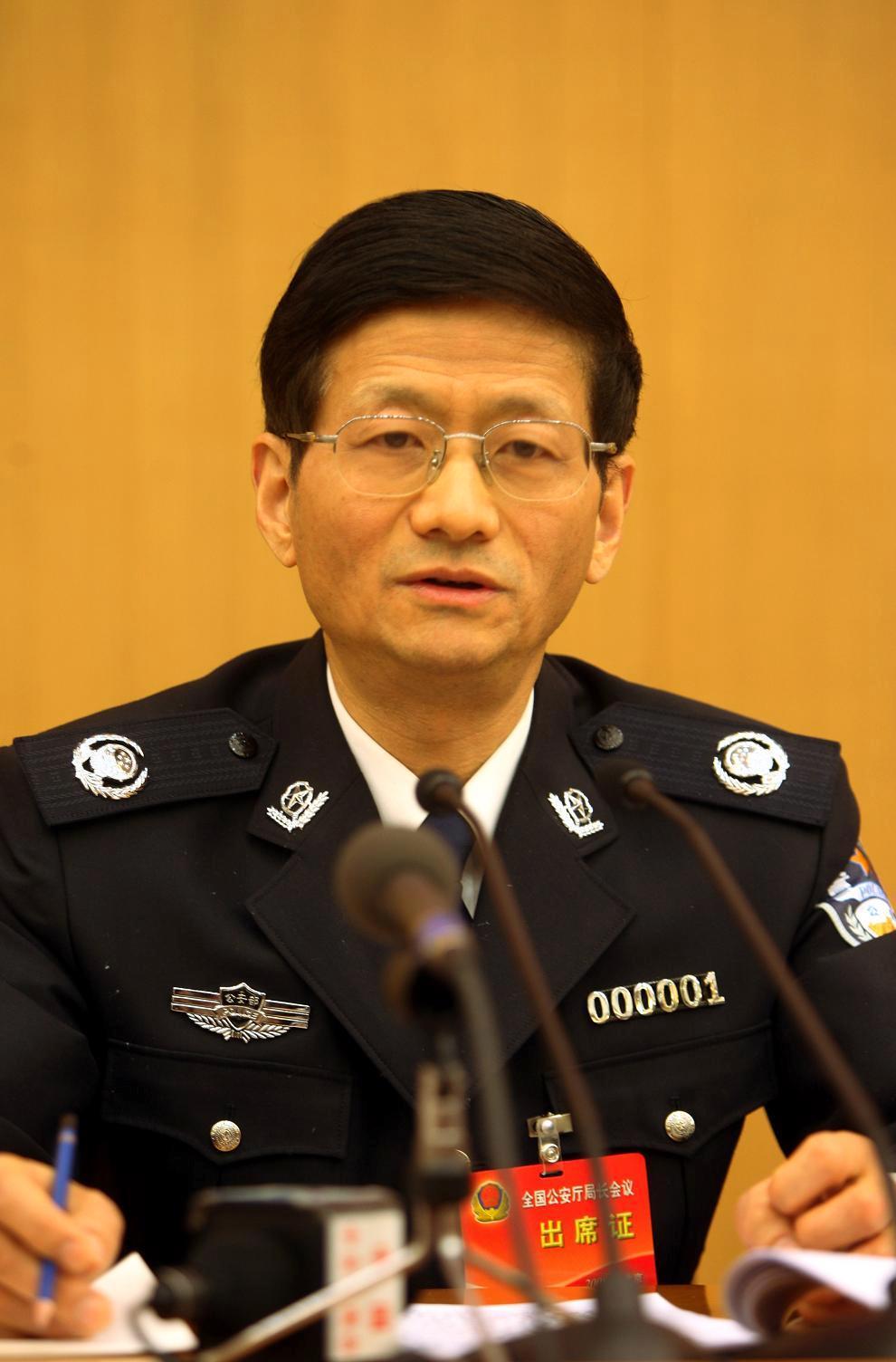 http://images.ccoo.cn/bbs/201185/20118516470425.jpg