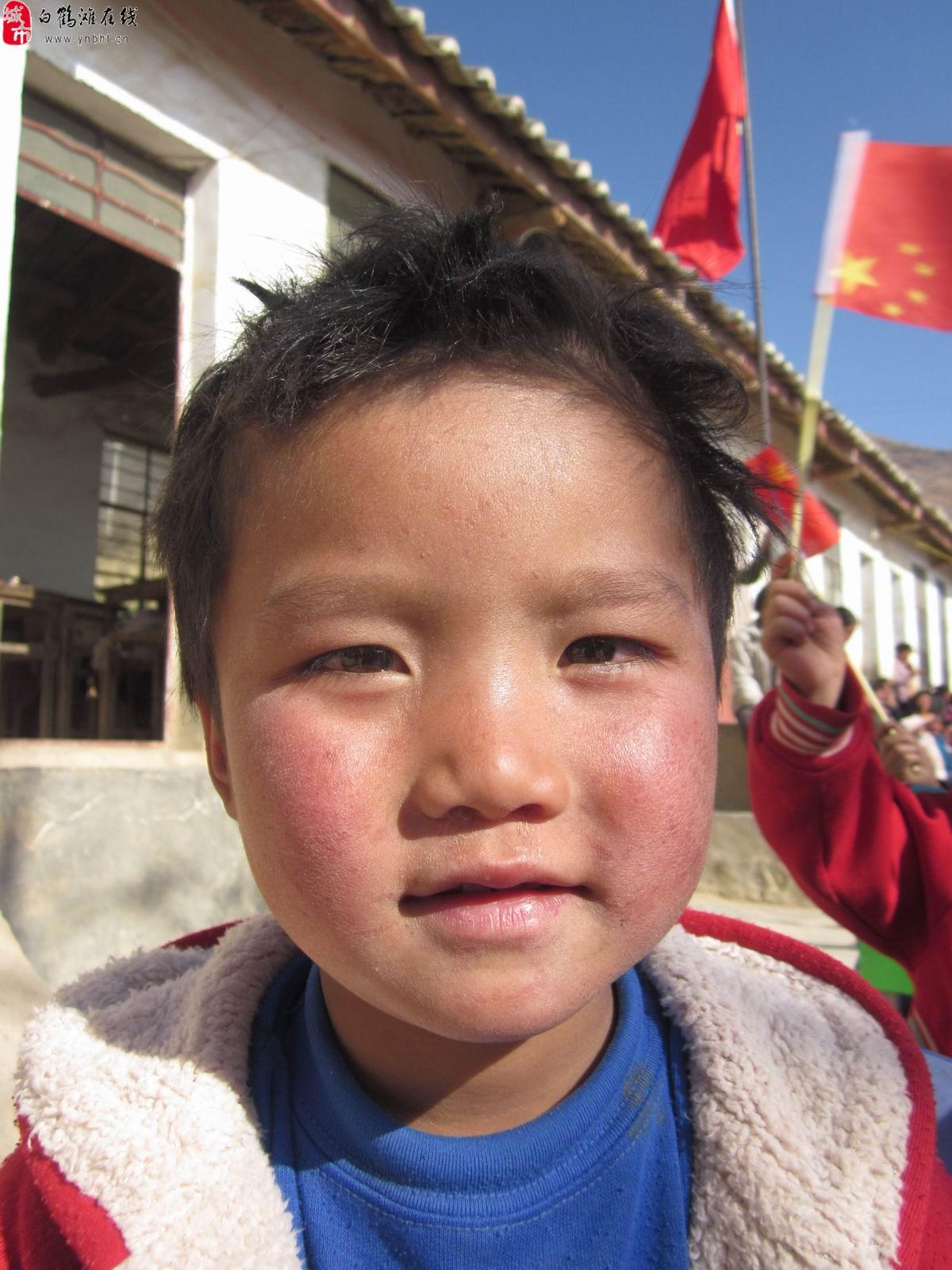 农村孩子可爱的笑脸_巧家故事