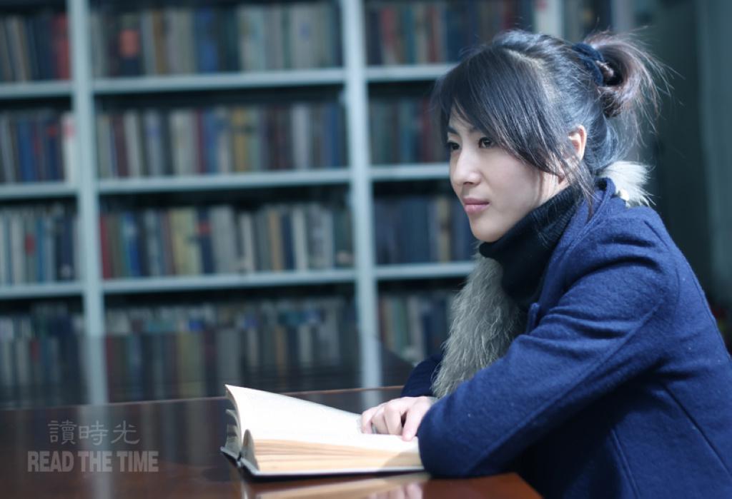 贴图读书时光:图书馆美女人像一组