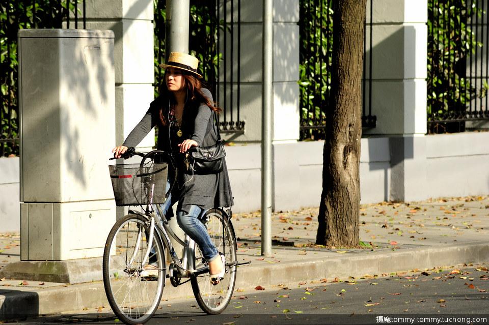 近百张最养眼的单车 美女