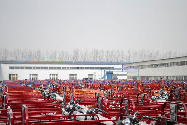 鹰城媒体走基层 叶县采风之隆鑫三轮摩托车 高清图片