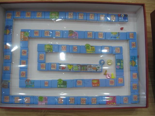 幼儿园自制桌面玩具