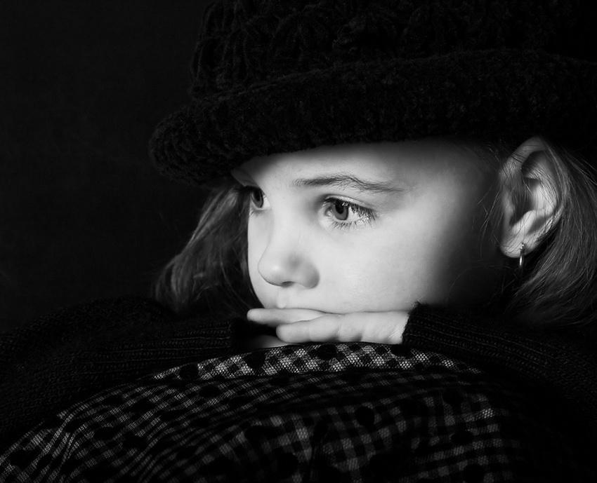 欧美可爱黑白儿童图