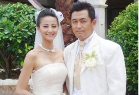 靳东与李佳结婚照是真是假?两人真的结婚了吗
