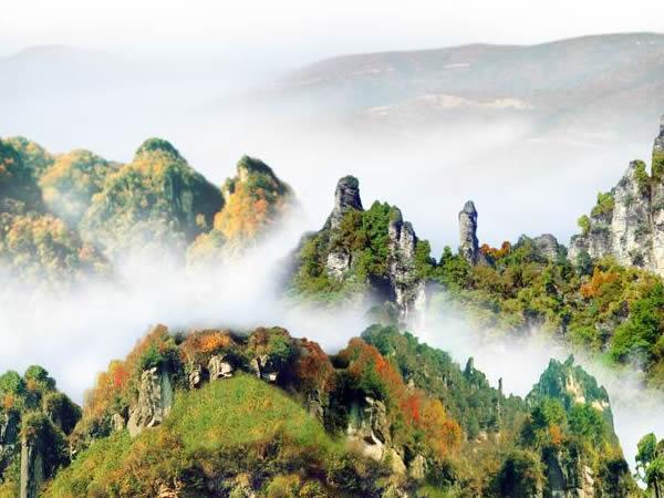 一边可以见到四川光雾山