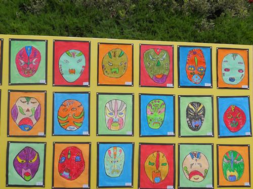 雅豪幼儿园孩子们的佳作展板: 文字广告招商,等待您