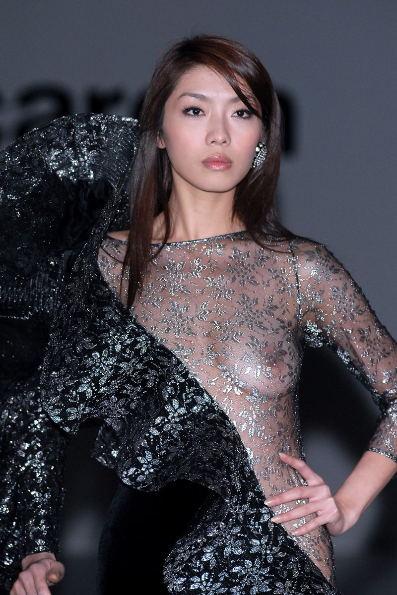 嘉丝联模特吴培青