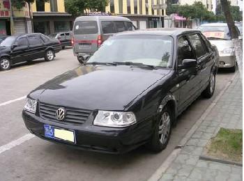 上海大众桑塔纳3000型轿车