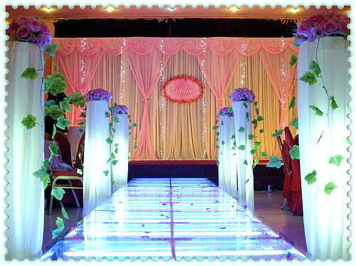 03 舞台灯光布置   项目概括:婚礼预算,策划,新娘化妆,形象设计