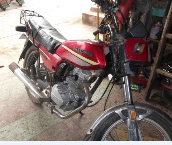 转让8成新wy款男士摩托车