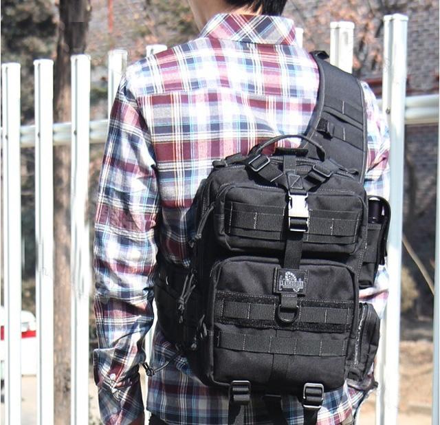 阔步者侧背包/户外背包