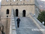 奥巴马登长城感悟历史 称向中国致敬(图)