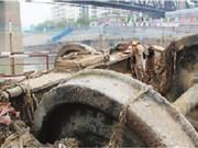湘江修桥挖出50年前老火车