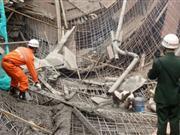 贵阳国际会展中心工地垮塌致7死19伤(组图)