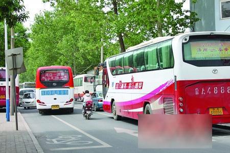 """有""""中华第一站""""之称的济南长途汽车总站就"""