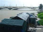 桂林发布暴雨红色预警信号 漓江再超警戒水位