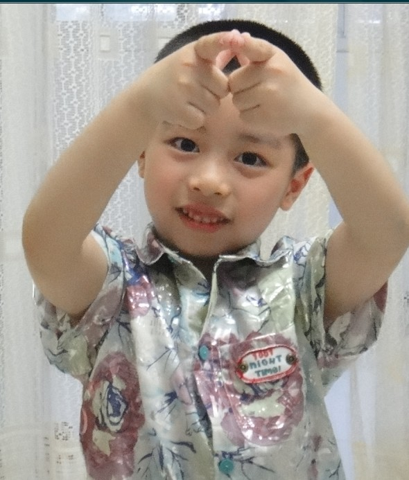 我可爱的宝宝参加全国宝贝风采大赛,希望大家能帮我一起加油支持他,赠