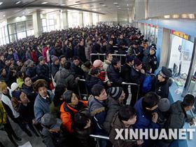 北京实行最严火车票限购令 每人限购3卧铺、5硬座