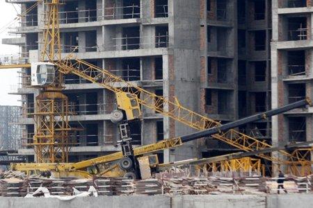 福州建筑工地一塔吊吊臂砸下
