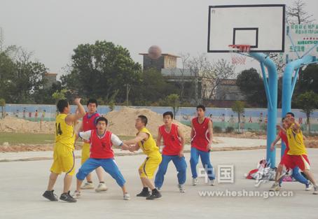 鹤山市雅瑶镇团委与雅瑶中学团委举行篮球友谊赛